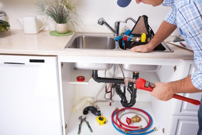 Der richtige Einbau der Küchenarmatur | Küchenarmatur Test